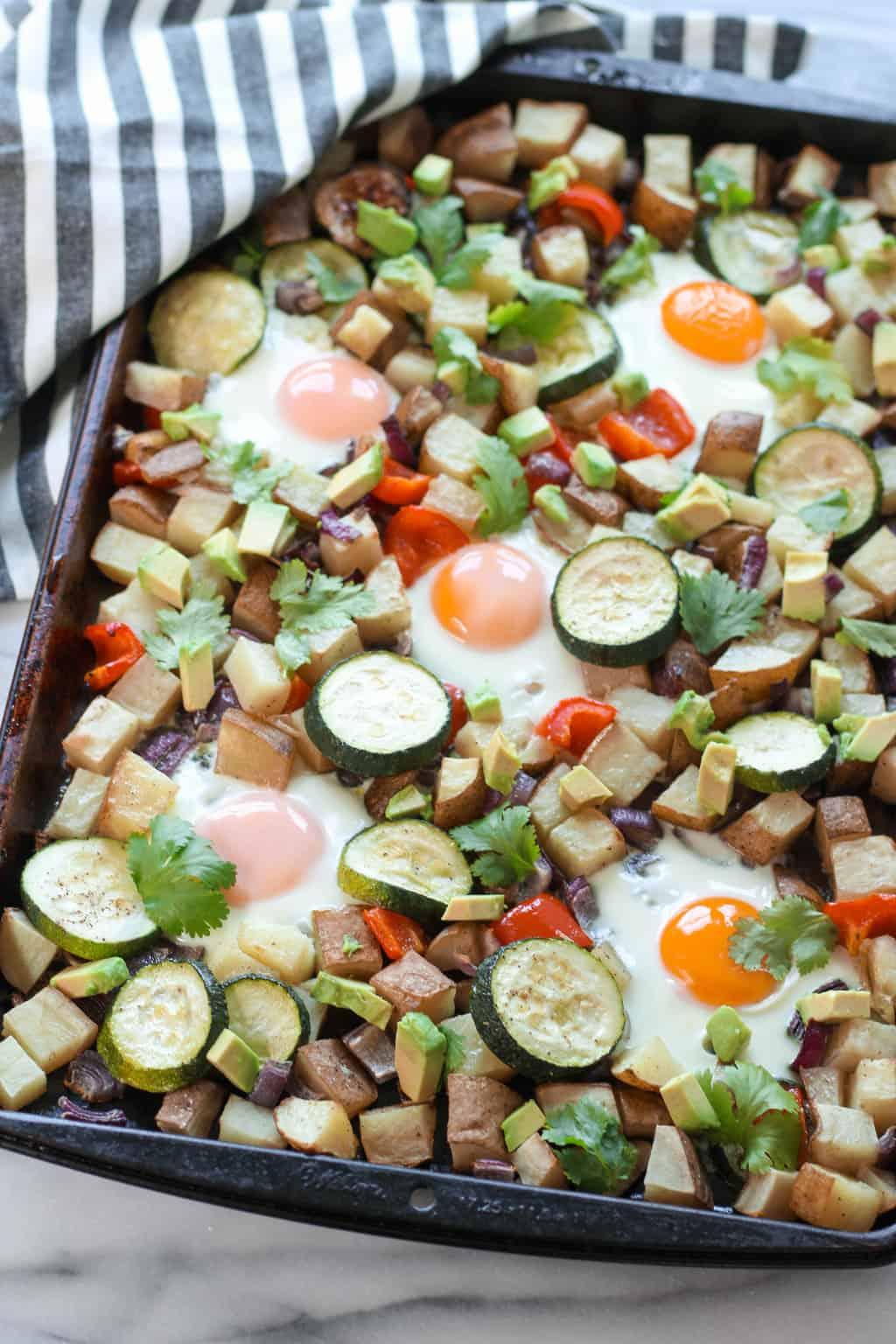 #ad One Pan Veggie Potato Breakfast Hash #Potato #CLVR